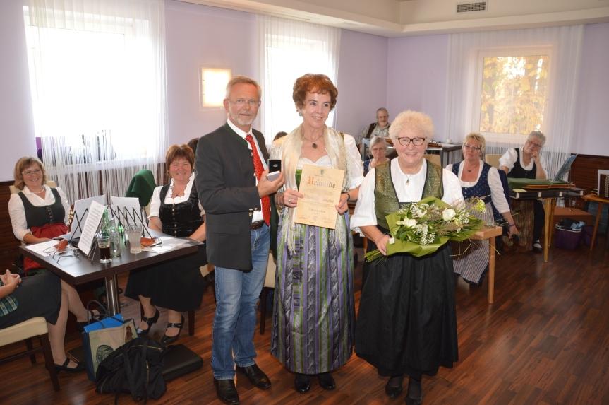 STR Leopold Feilecker, Frau Elisabeth Kaineder und Frau Olga Scheibner